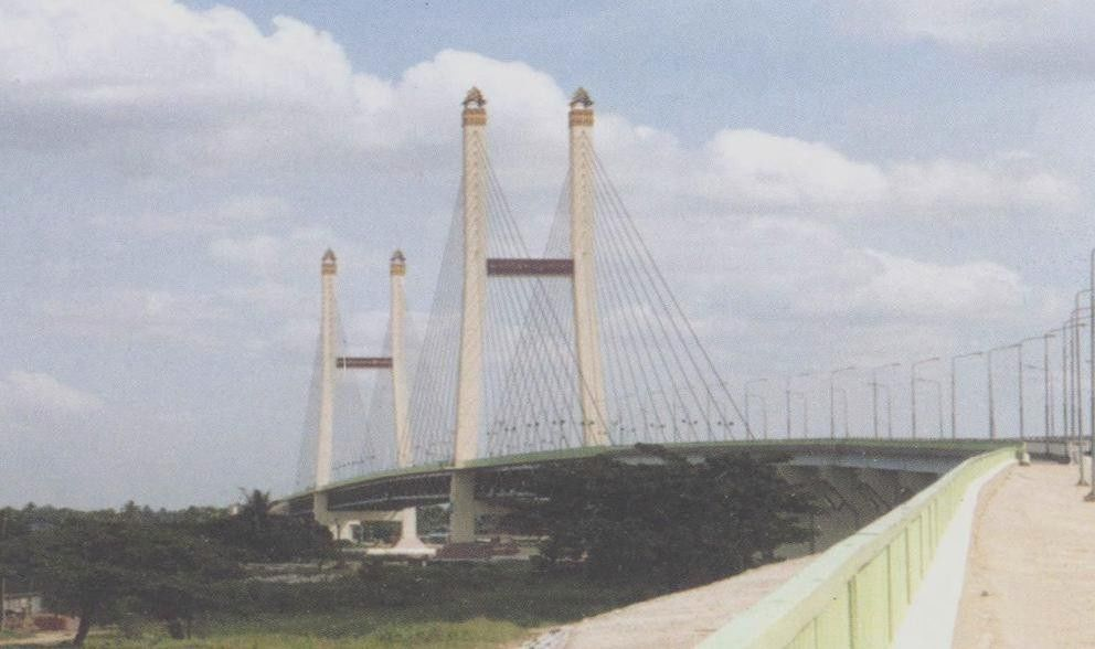 Customized Cable Stay Bridges With Hot - Dip Galvanized Surface Protection